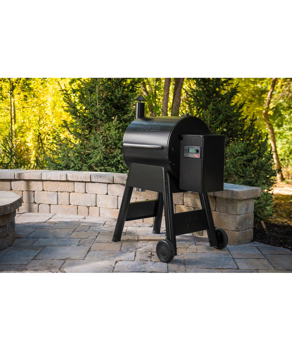 Pro Series 575 Smart Pellet Grill and Smoker with WiFIRE Wifi Technology, Black