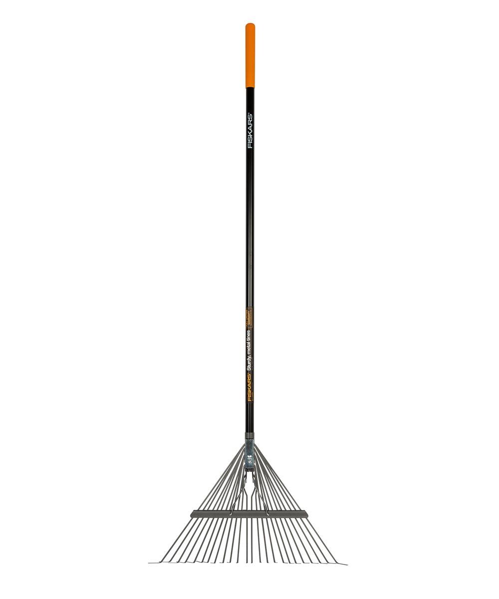 Fiskars 62.75 in. Fiberglass Metal Leaf Rake