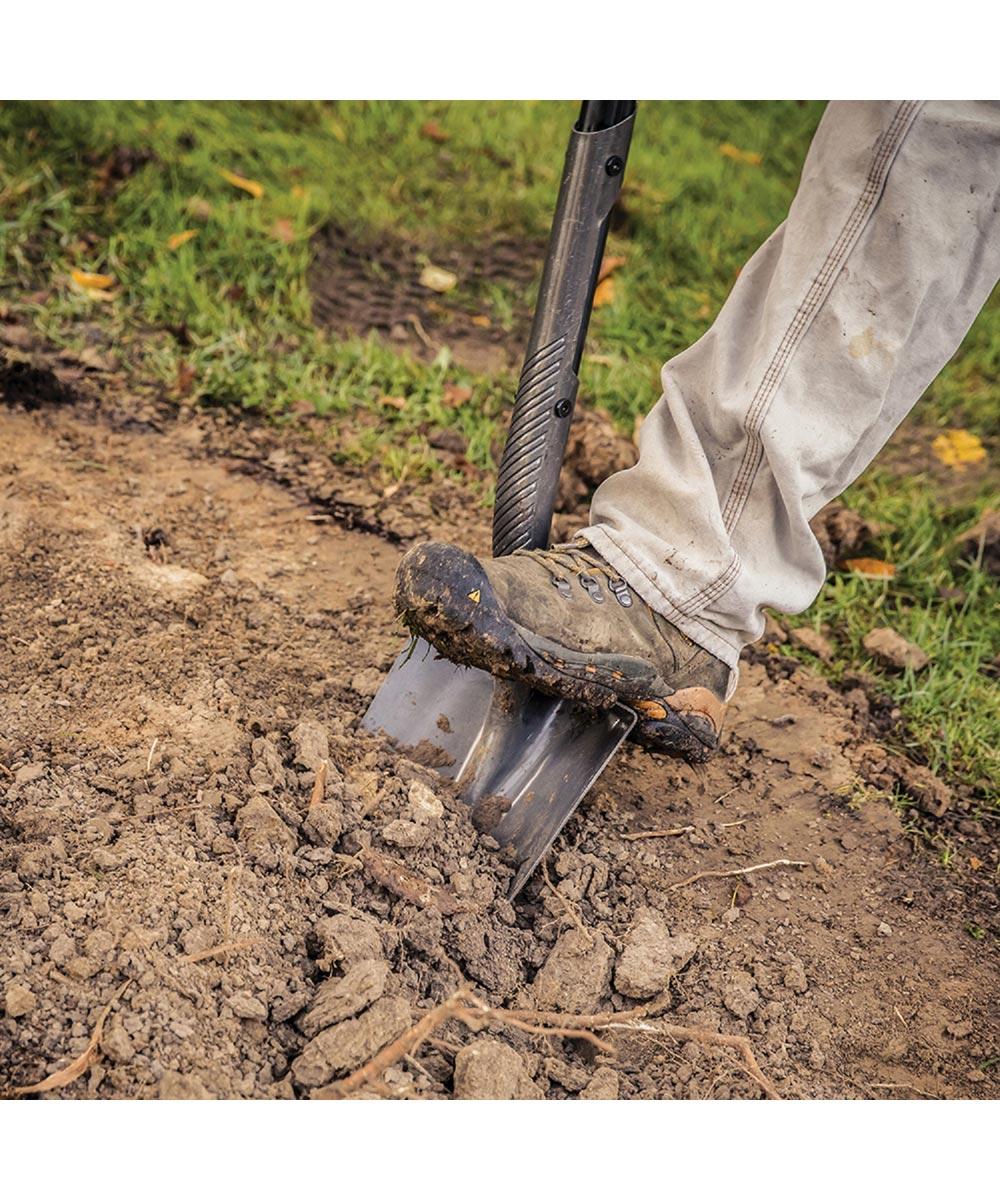 Fiskars 60 in. Pro Digging Shovel