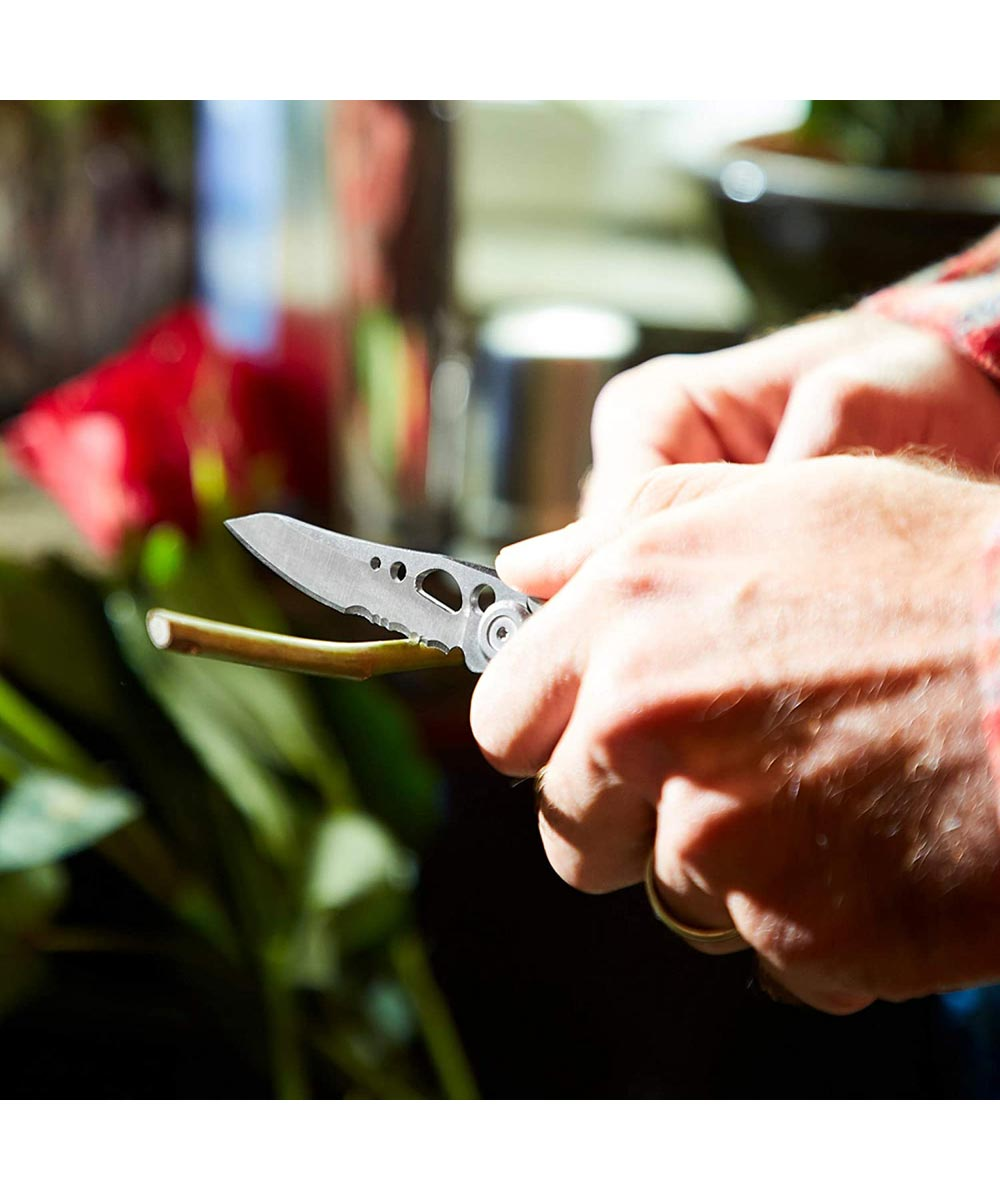 Leatherman Skeletool KBX Knife with Combo Straight & Serrated Blade, Silver