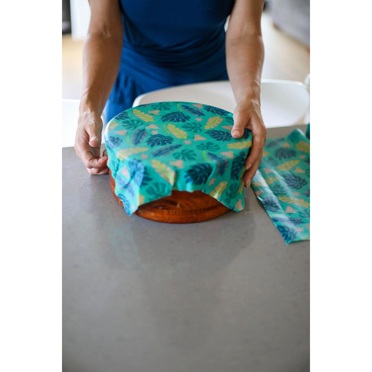 Meli Wraps Bulk Roll (42 in. x 13.5 in.) Reusable Beeswax Food Wrap, Lau (Monstera Green) Print