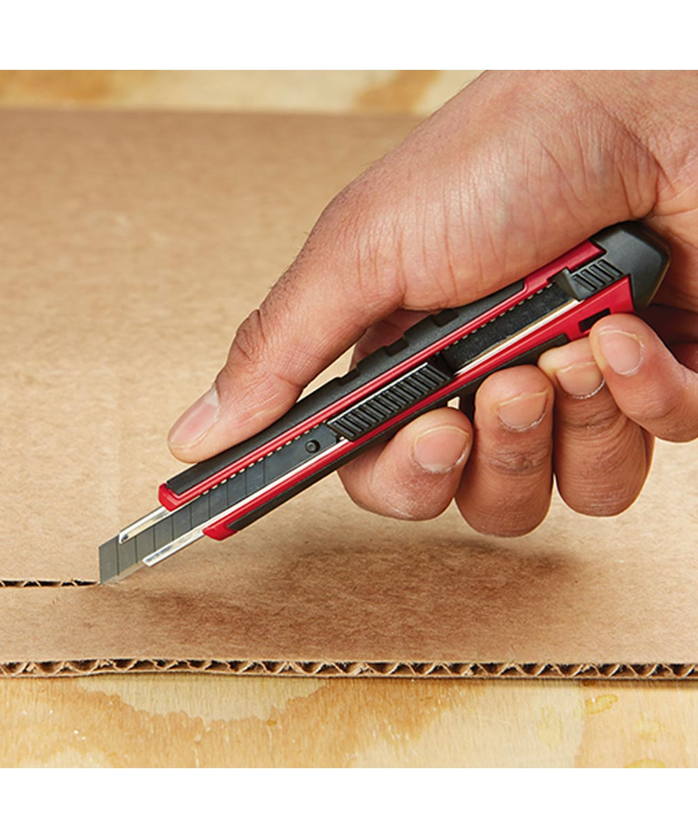 Milwaukee 9mm Snap Off Knife with Precision Cut Blade