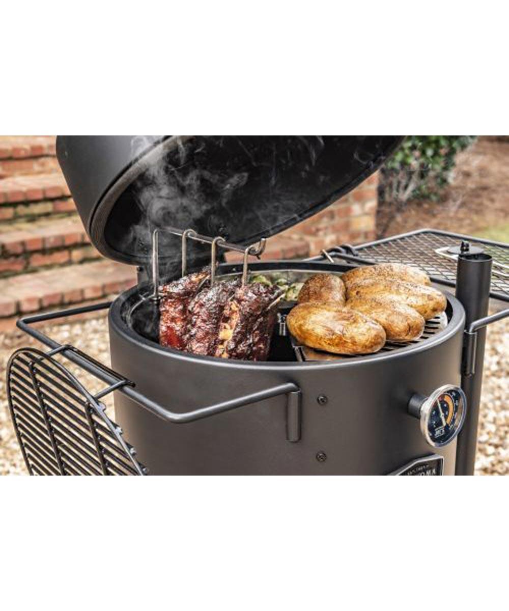 Oklahoma Joe's Bronco Drum Smoker Triple Cooking Grate