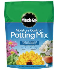 Miracle-Gro 8 Quart Moisture Control Potting Mix